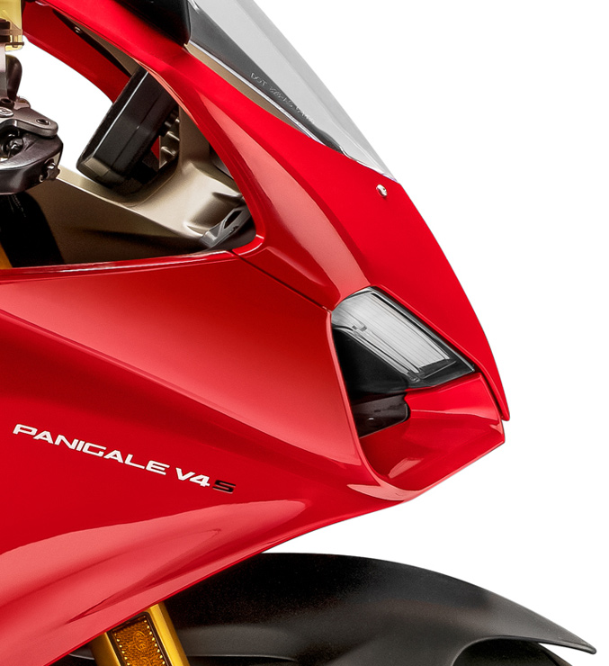 Panigale-V4S-Red-MY18-02-Carousel-Imgtext-Design-677x740